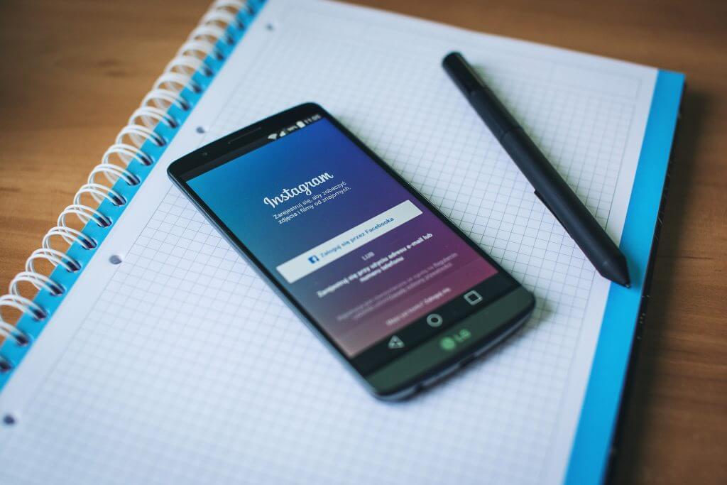 instagram, iPhone, notebook